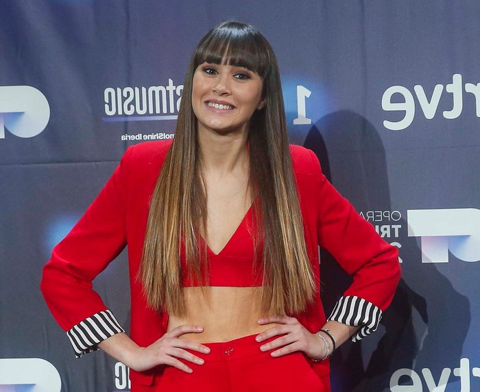 Aitana OT carroza en Orgullo Gay