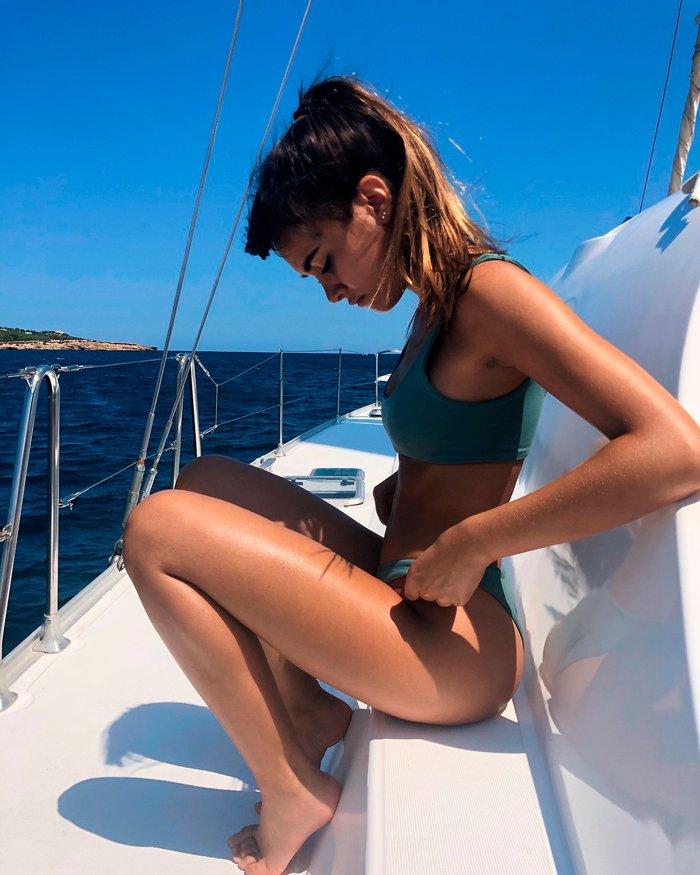 Aitana Ocaña Espectacular Posado Bikini Cuervas Cuerpazo