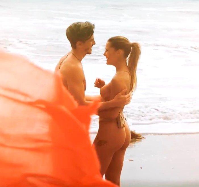 Gala Caldirola desnuda en Volverías con tu Ex