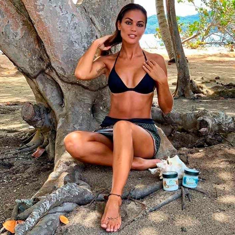 Lara Álvarez Semidesnuda Bikini Presentadora Telecinco Supervivientes