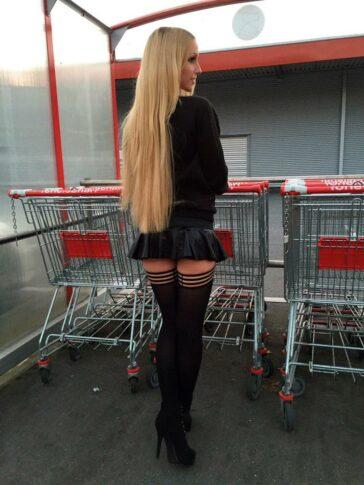 Lucy Cat Follando Supermercado