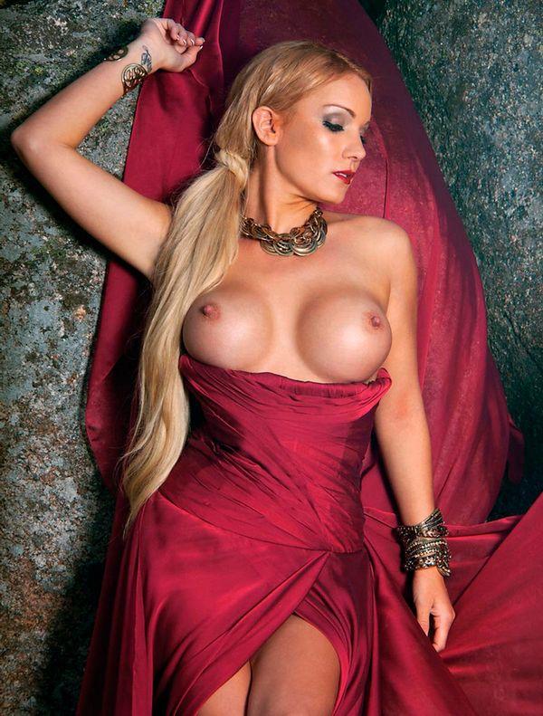 Belén Roca desnuda en Interviu