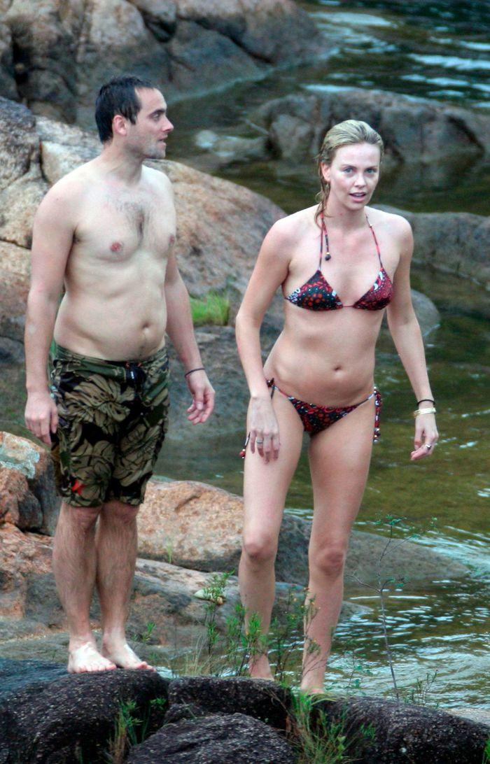 Charlize Theron en Bikini