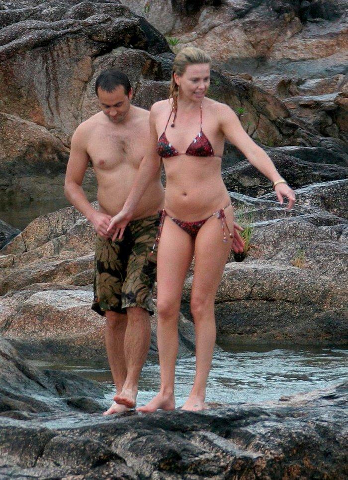Charlize Theron fotos bikini vacaciones marido 5