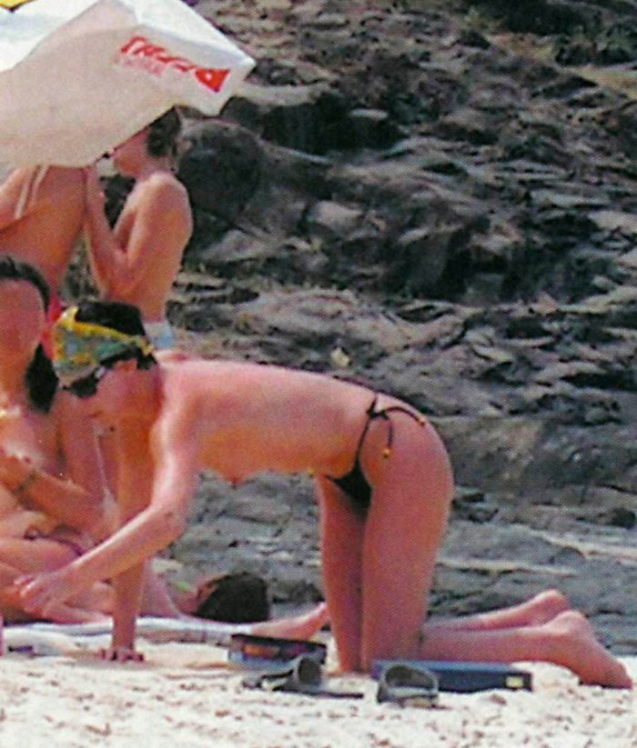 Charlize Theron fotos vacaciones playa desnuda
