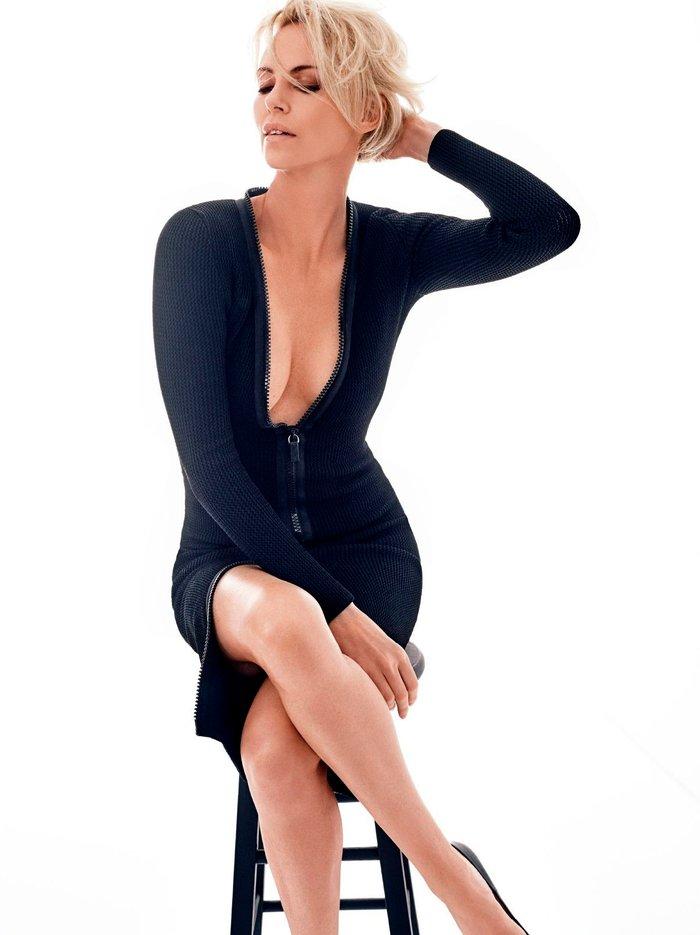 Charlize Theron posado moda lencería revista 6
