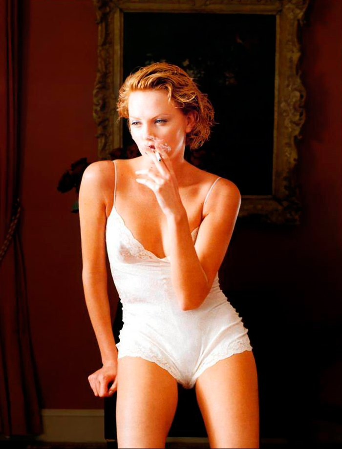Charlize Theron ropa interior sexy