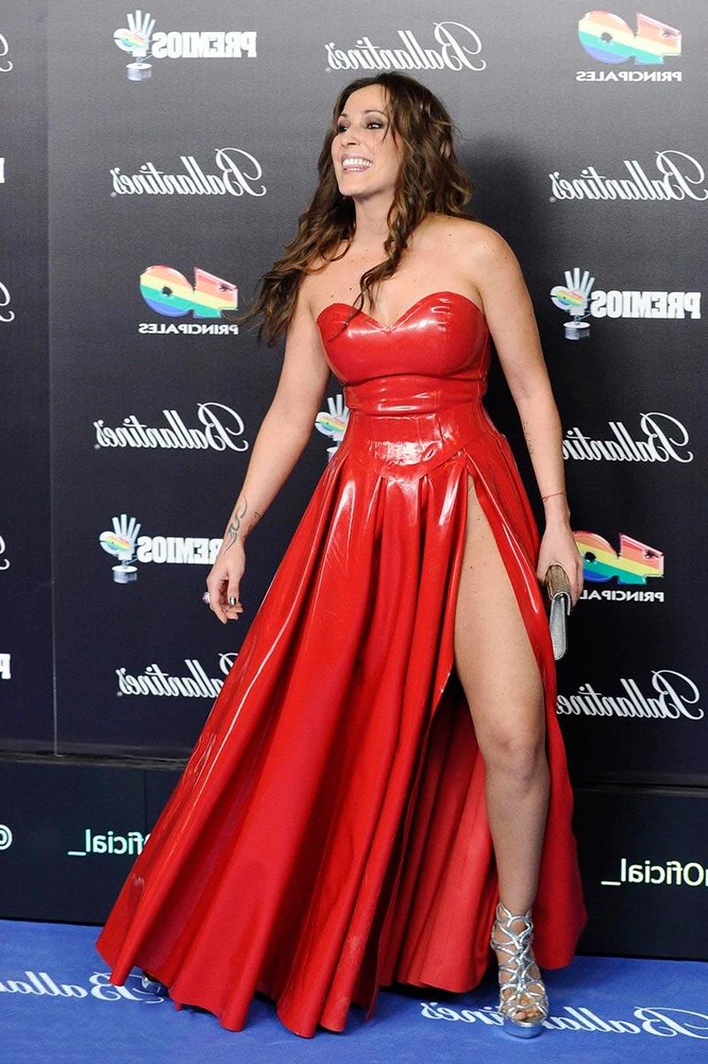 Malú Sexy Piernas Vestido Premios Música