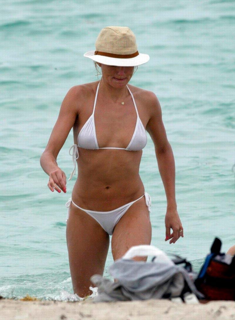 Cameron Diaz Semidesnuda Bikini Vacaciones Mar 4