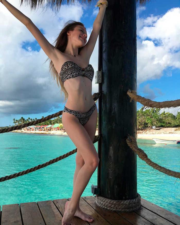 Denisse Peña en bikini