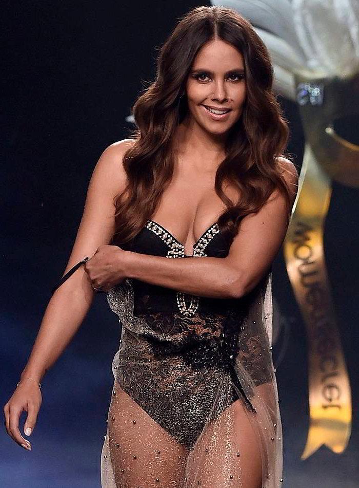 Cristina Pedroche modelando Women Secret