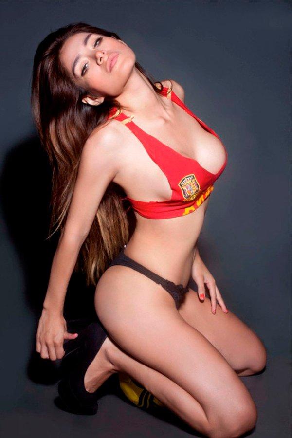 Miriam Saavedra modelo lencería