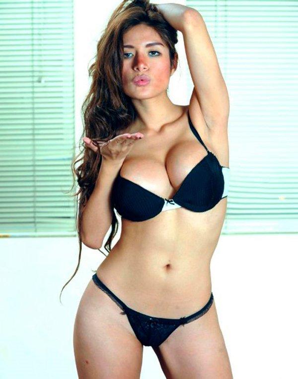 Miriam Saavedra muy caliente