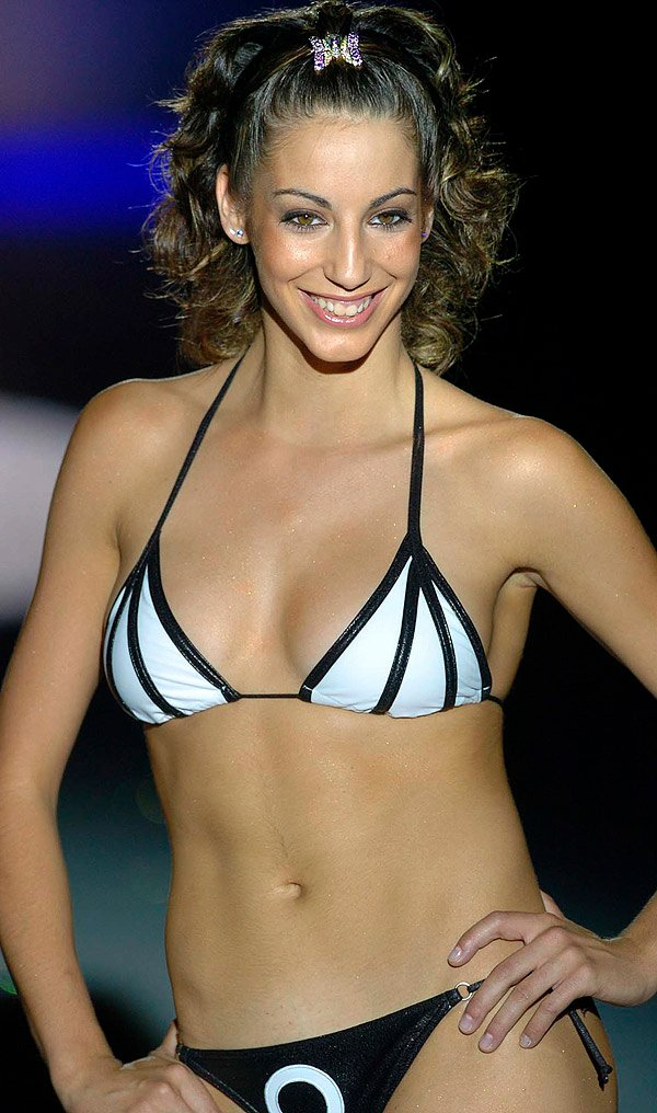 Almudena Cid en bikini