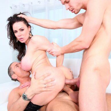 Doble penetración de Kendra Lust