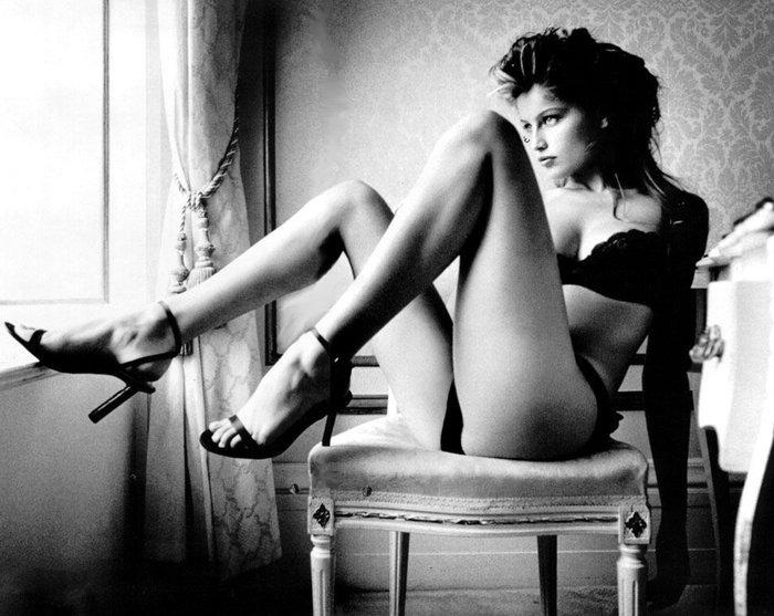 Laetitia Casta y sus largas piernas