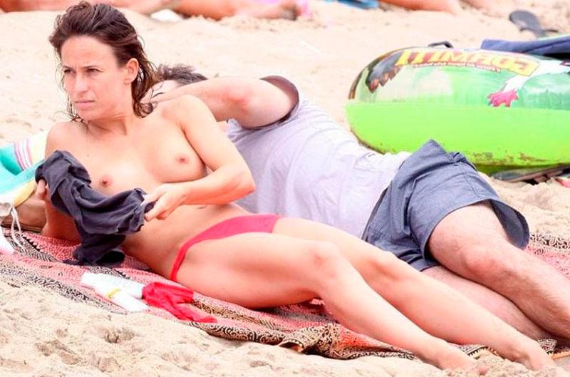 Marta Etura Topless Pillada Playa