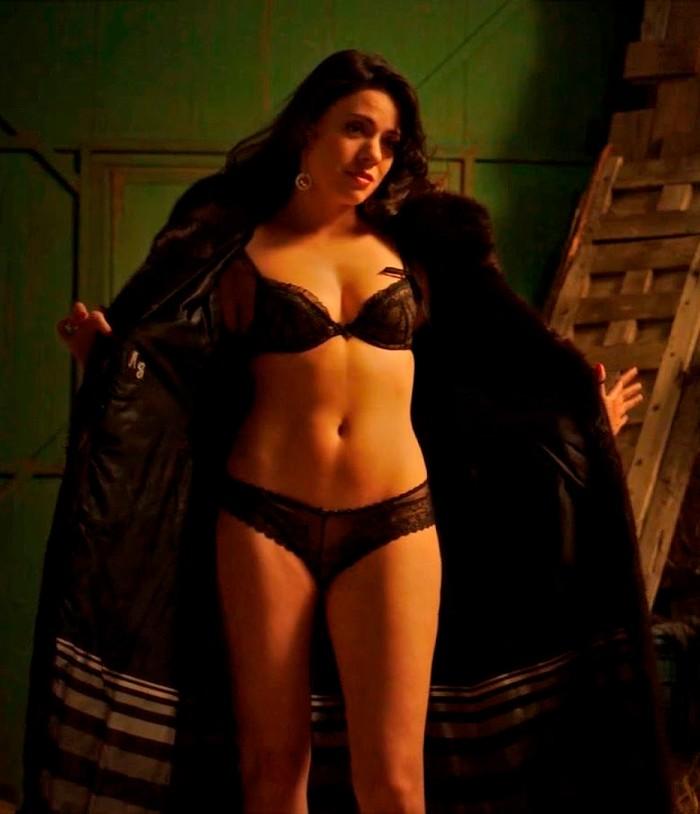 Ana Arias desnuda en Cuéntame