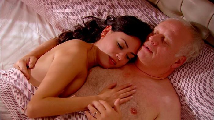 Ana Arias en la cama con Juan Echanove