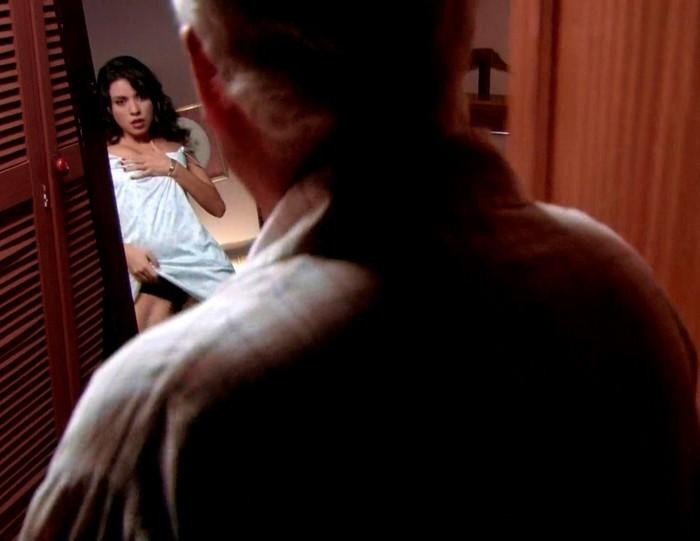 Ana Arias se desnuda al completo