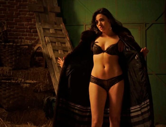 Escenas sexuales de Ana Arias en Cuéntame