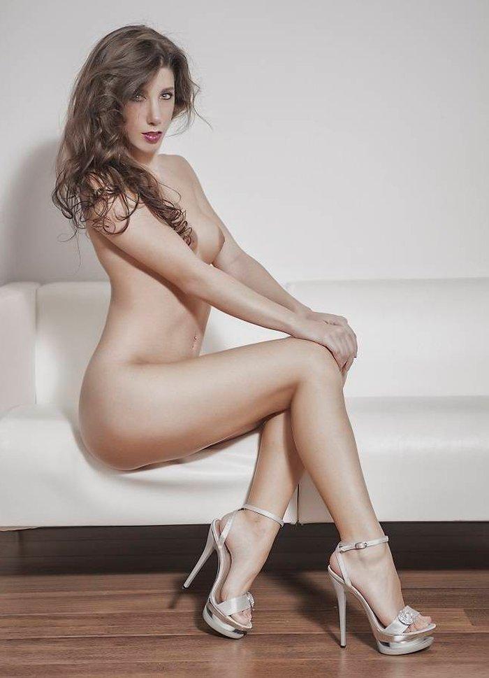 Judit Benavente famosa desnuda