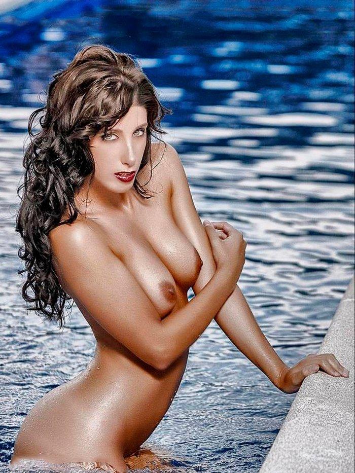 Judit Benavente y su desnudez sensual