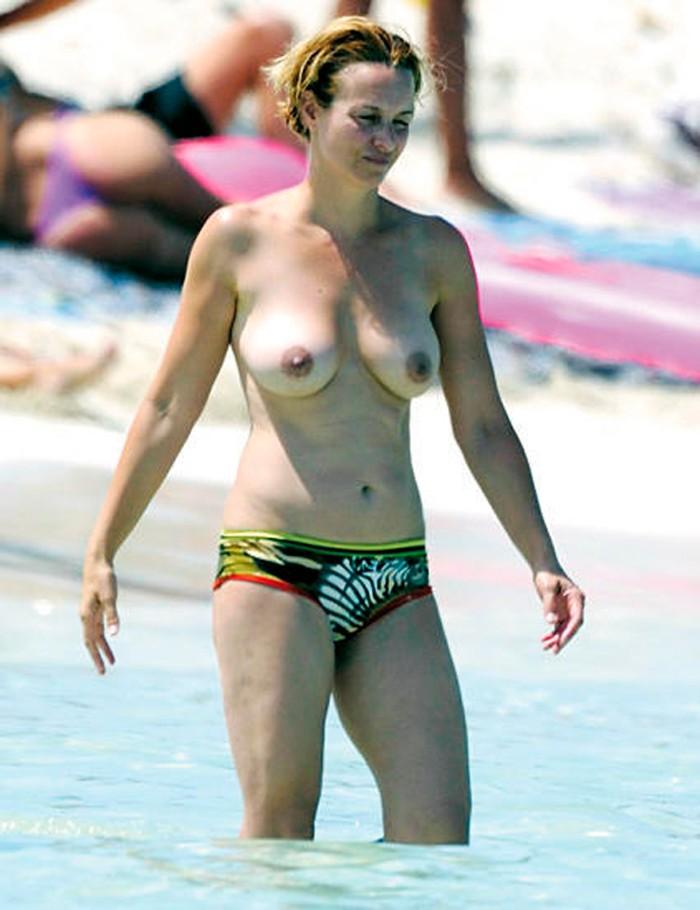 Mar Regueras desnuda sus dos tetas