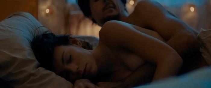 Vicky Luengo durmiendo desnuda