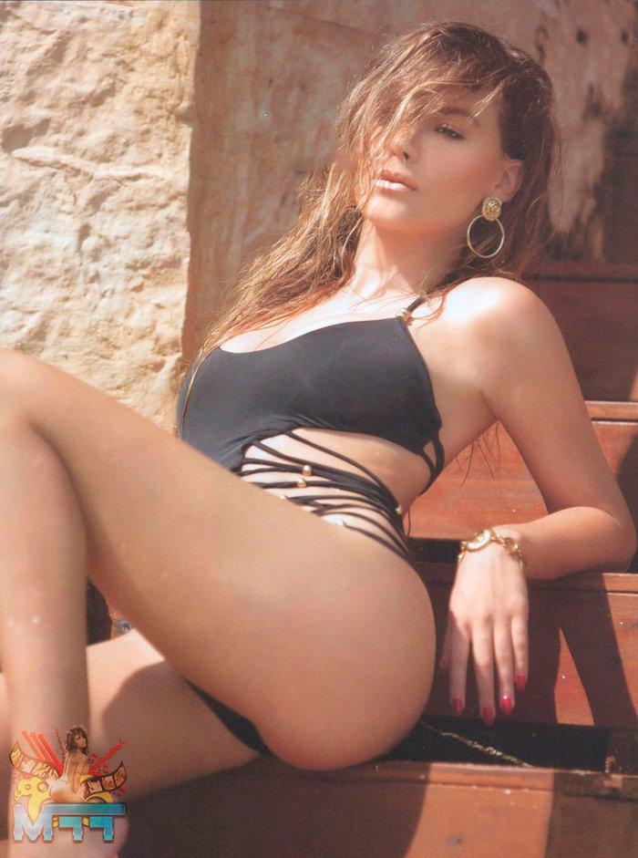 Belinda Peregrín en top