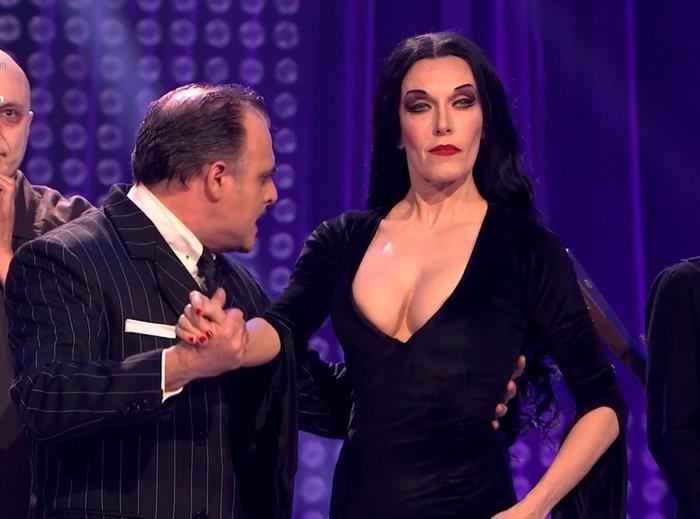 Carmen Conesa como Morticia Familia Addams
