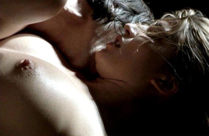Lucía Jiménez Enseña Pezón Película Erótica
