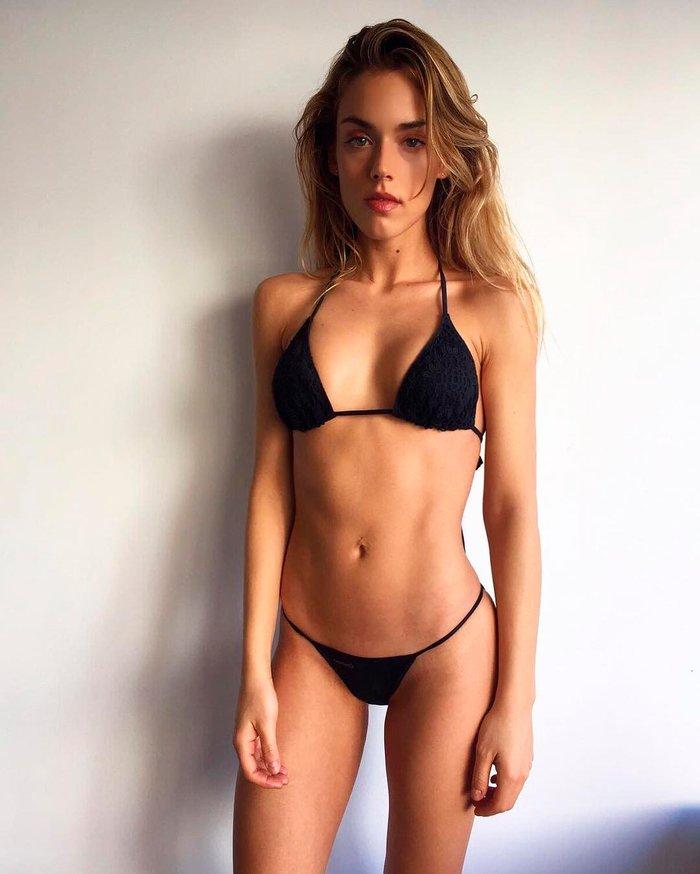 Patricia Valley bañador sexy