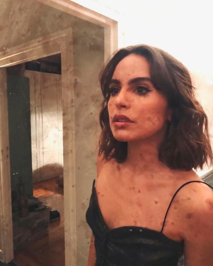 Verónica Echegui Escote Sexy Selfi