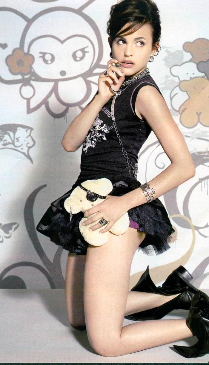 Verónica Echegui Posado Sexy Moda 2