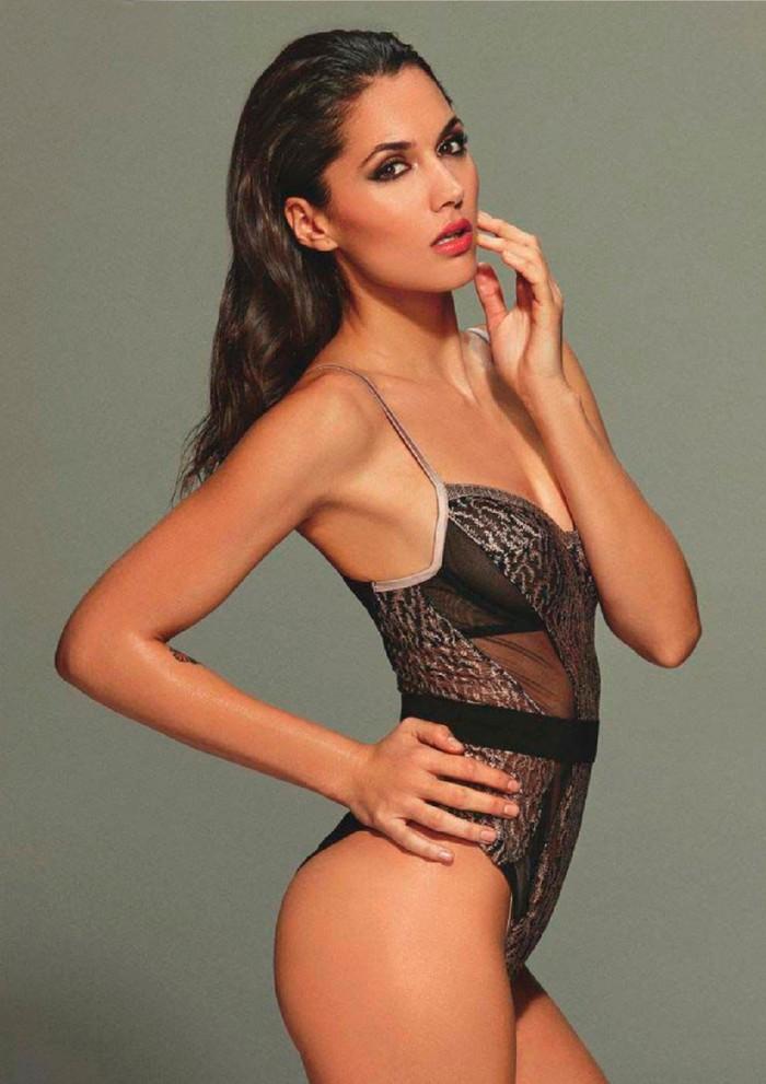 Michelle Calvó desnuda FHM
