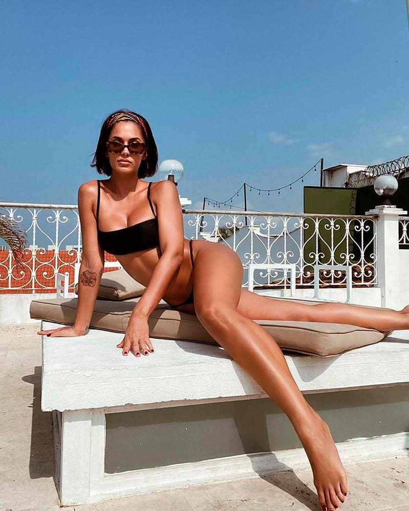 Michelle Calvó Bikini Sexy Provocativo