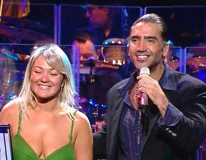 Amaia Montero artista española cantando