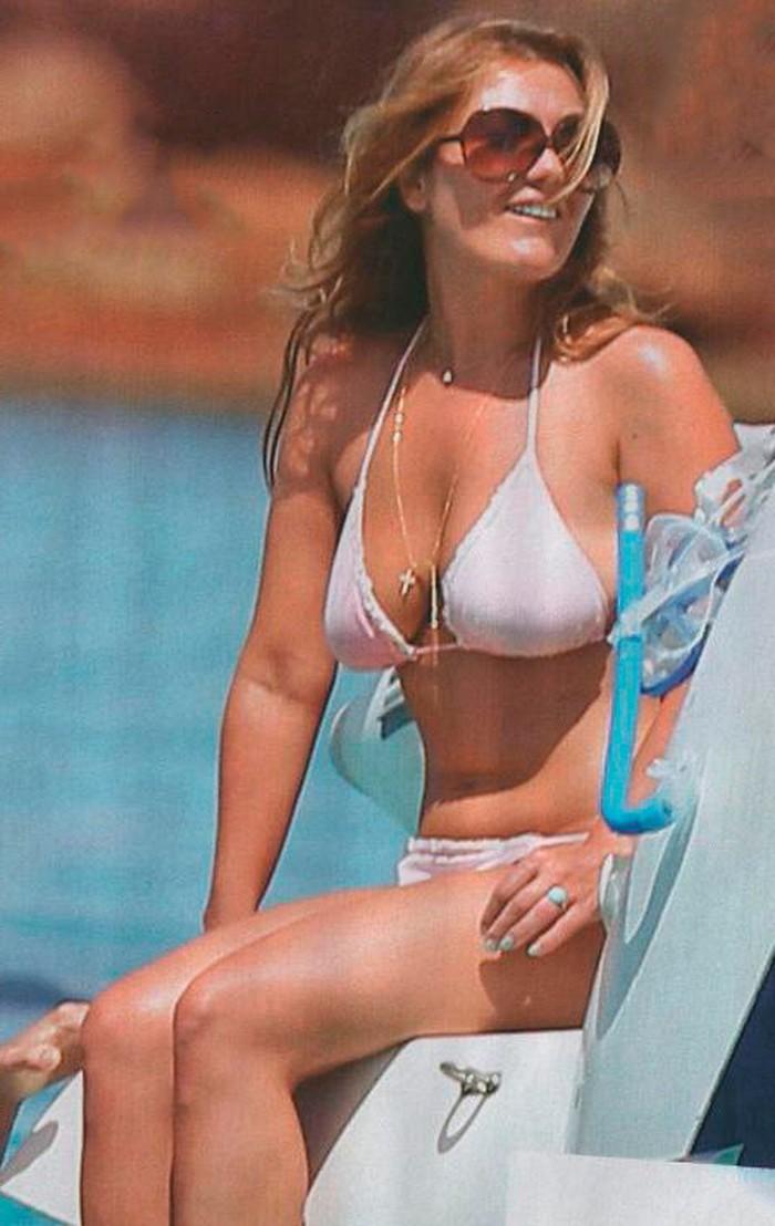 Amaia Montero casi desnuda playa
