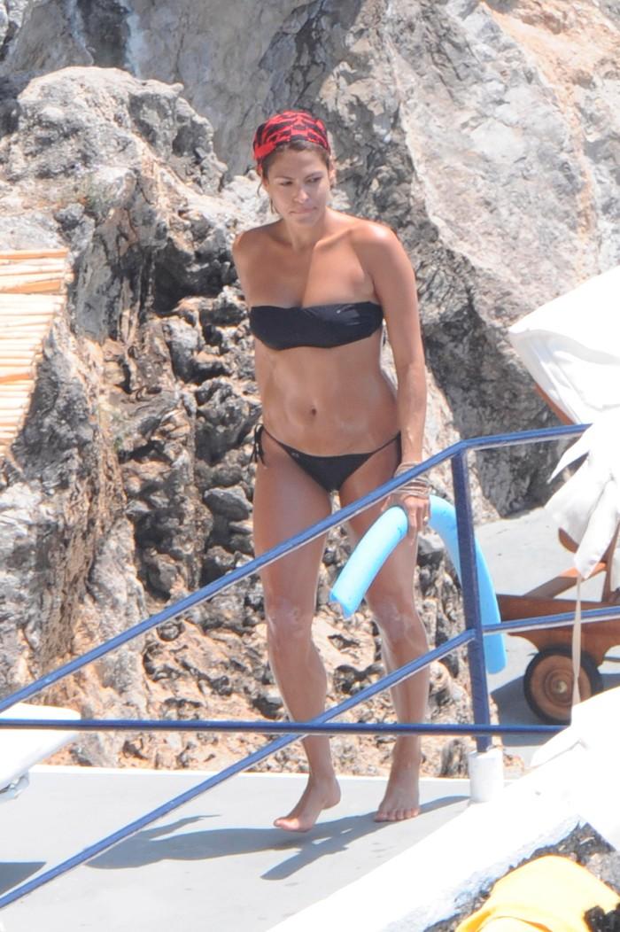 Eva Mendes pillada playa