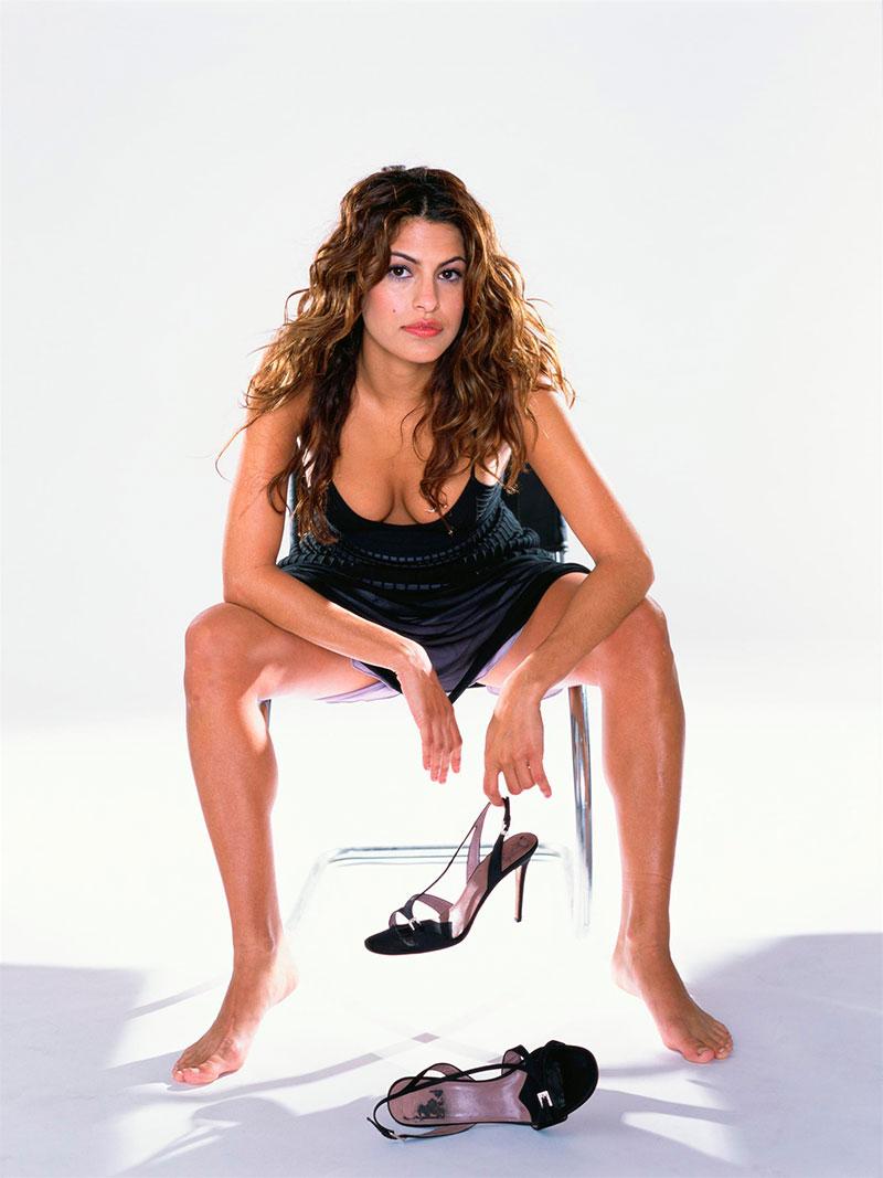 Eva Mendes Semidesnuda Posado Erótico