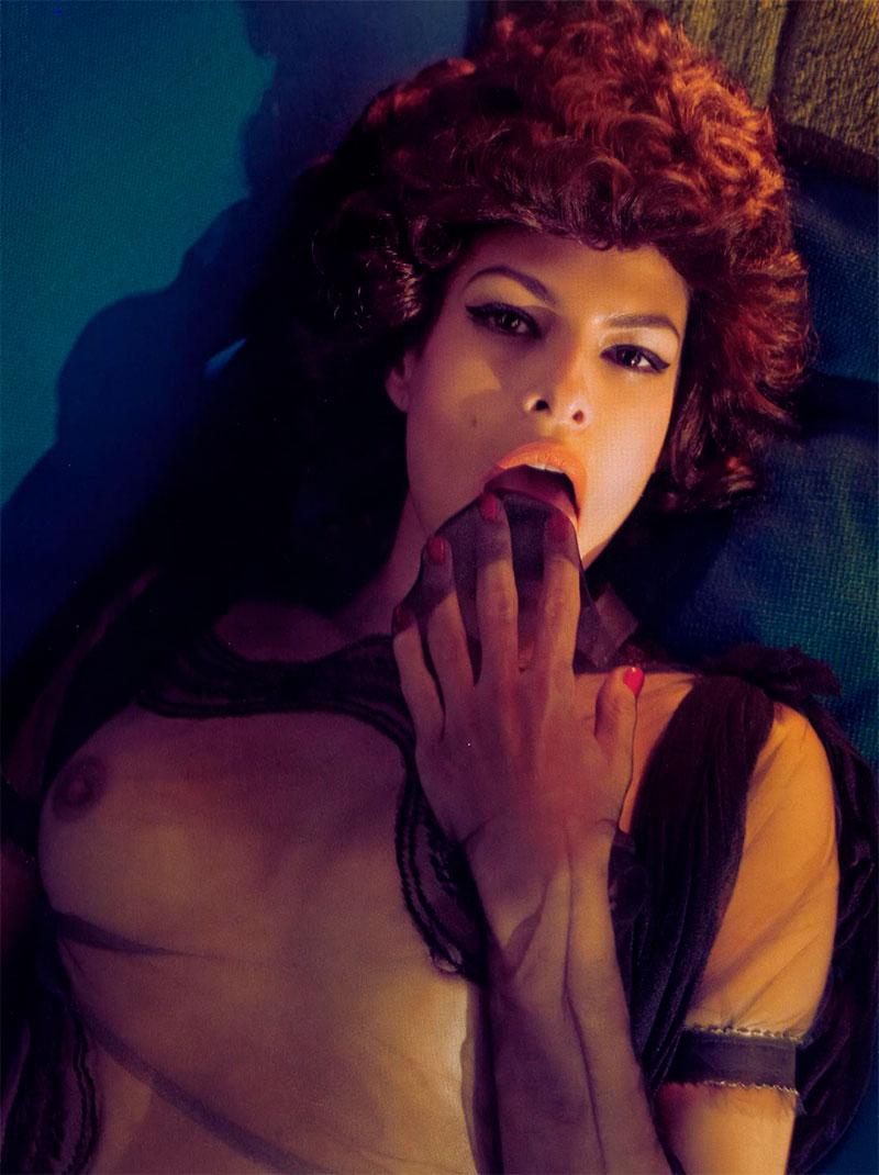 Eva Mendes Topless Posado Erótico