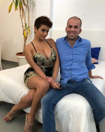 Amaranta Hank Periodista Colombiana Desvirgando Chico Virgen