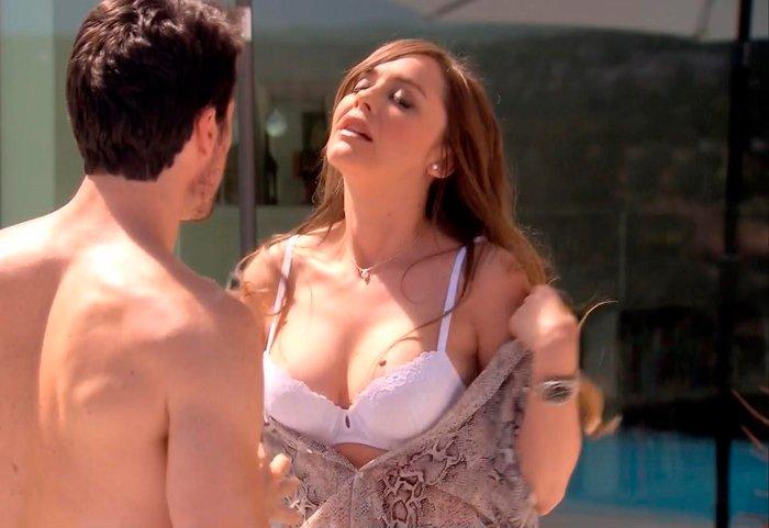 Escena erótica Miriam Benoit
