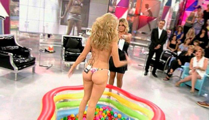 Maria Lapiedra desnuda en Sálvame