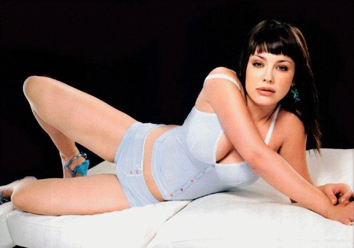 Miriam Benoit fotos eróticas revista MAN