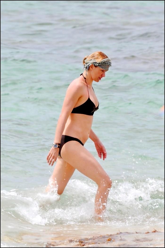 Susana Grisso desnuda en playa