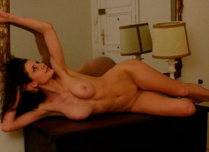 Mónica Van Campen desnudo explícito
