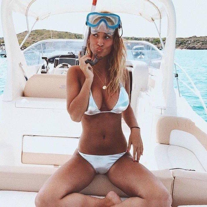 María Pombo bikini super sexy