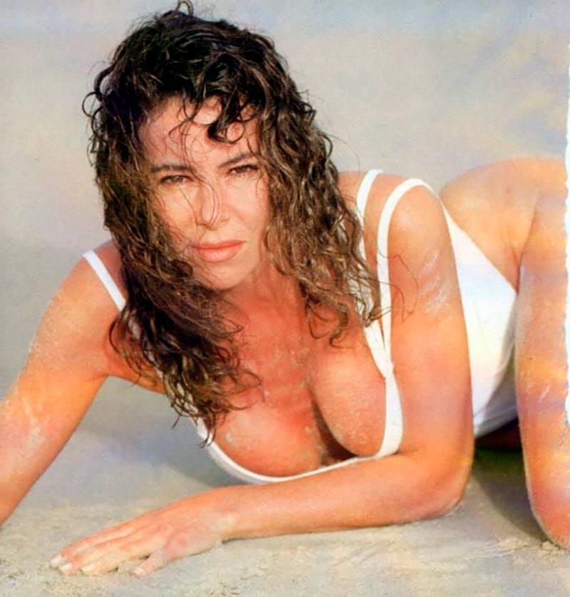 Ana Obregón Bikini Posado Veraniego Prensa 3